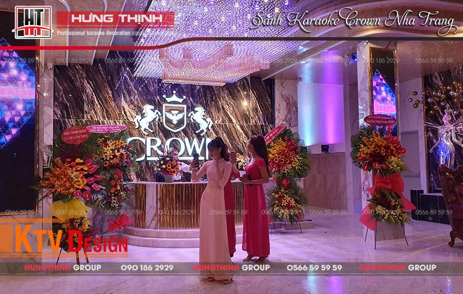 Sảnh lễ tân karaoke Crown