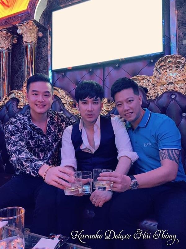 Ca sỹ Quang Hà hát karaoke tại Deluxe Hải Phòng