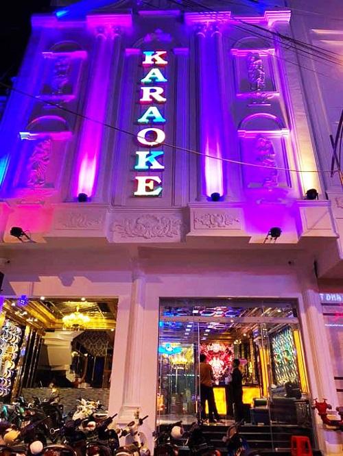 Mặt tiền karaoke Hồng Đăng