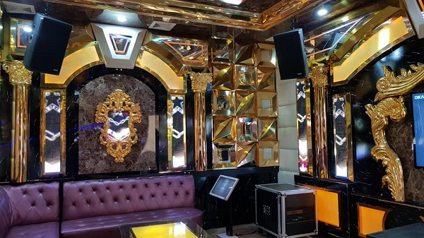 Phòng karaoke phong cách Hoàng Gia vip 9