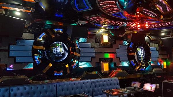 Phòng vip 3 karaoke Gia Bảo