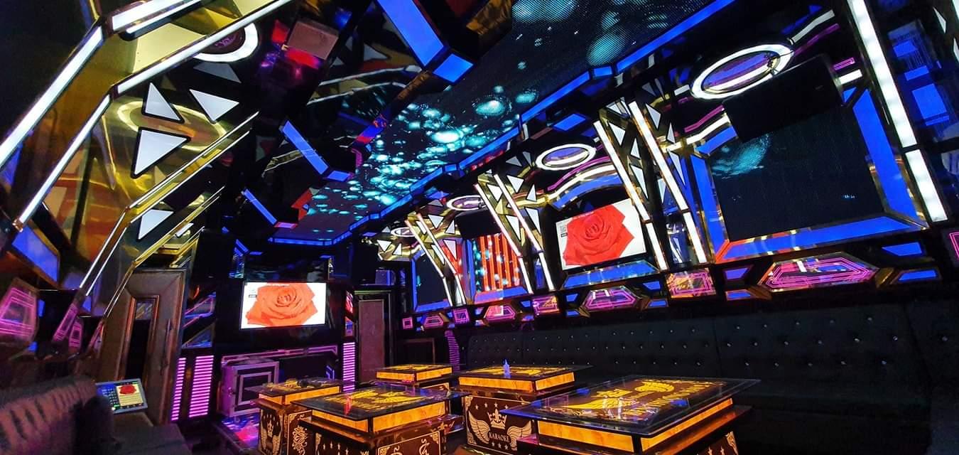 Mẫu phòng karaoke hiện đại giá rẻ