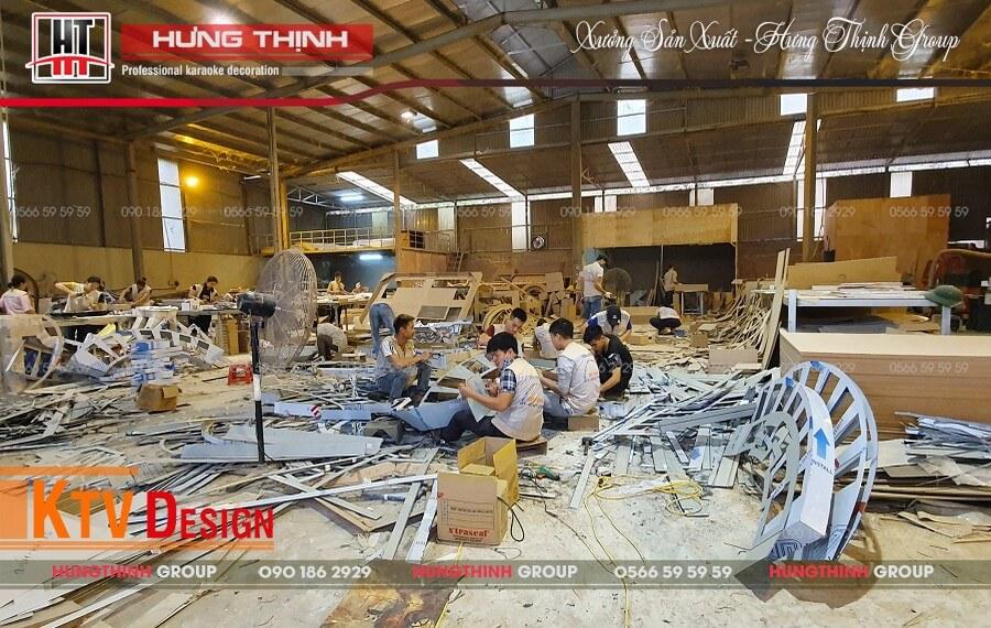 Công nhân làm việc tại xưởng sản xuất Hưng Thịnh